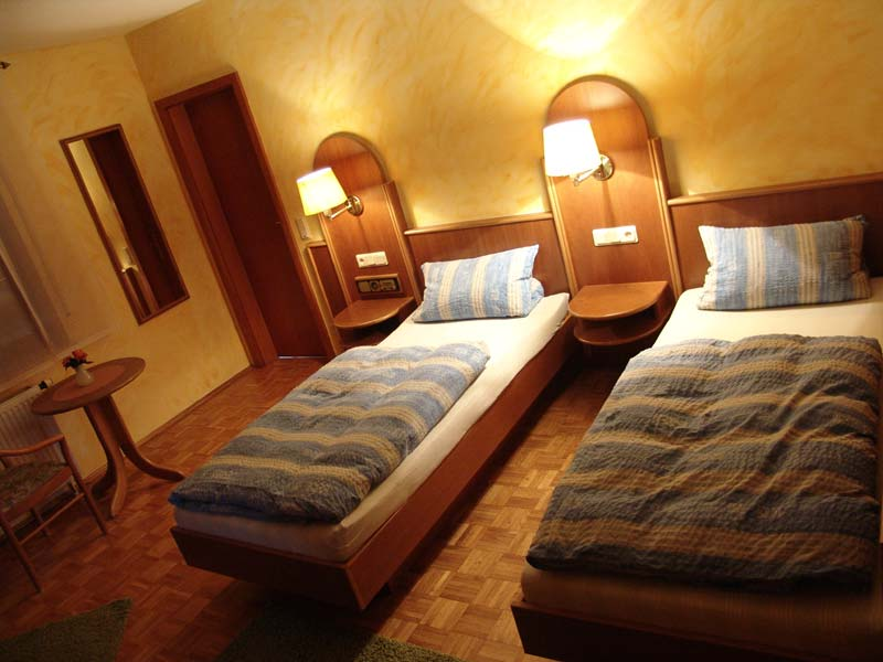 hotel-pension-taubertal_gaetsezimmer-1