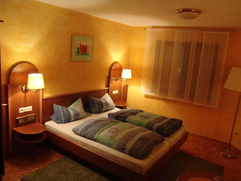 hotel-pension-taubertal_gaetsezimmer-2